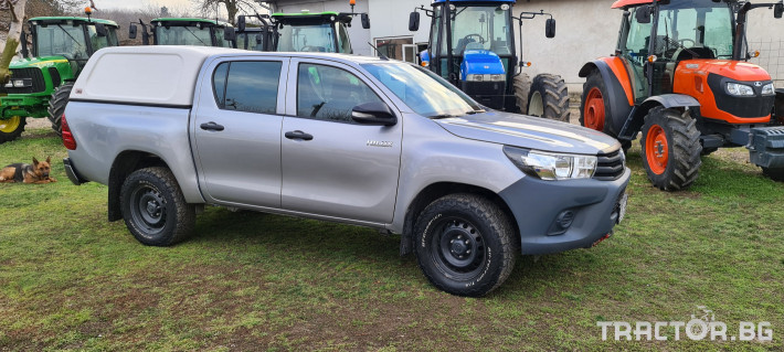 Пикапи и джипове Toyota Hilux 2.4 D 2 - Трактор БГ