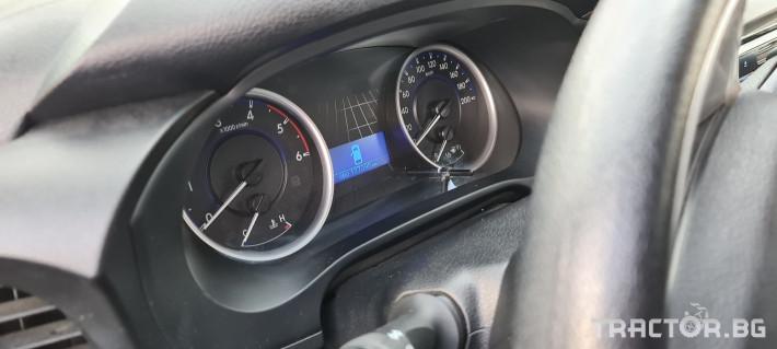 Пикапи и джипове Toyota Hilux 2.4 D 6 - Трактор БГ