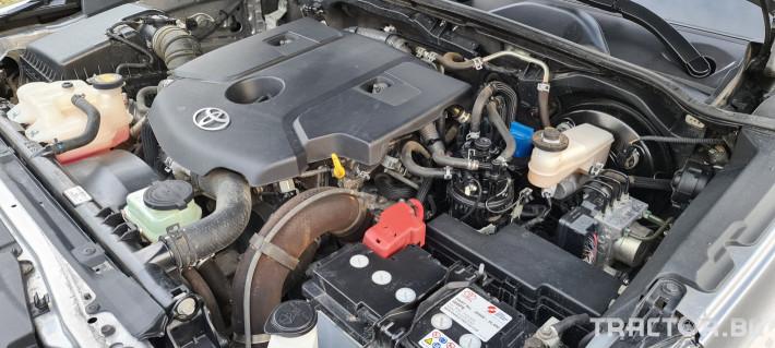 Пикапи и джипове Toyota Hilux 2.4 D 11 - Трактор БГ