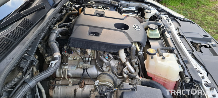 Пикапи и джипове Toyota Hilux 2.4 D 12 - Трактор БГ